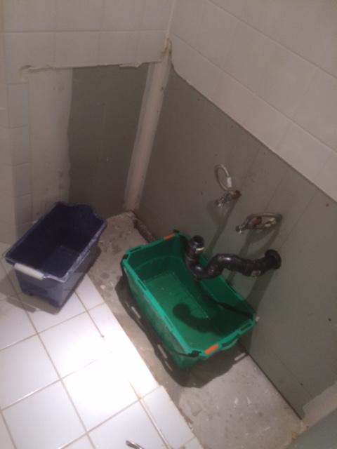 Goodbye disgusting sink unit!