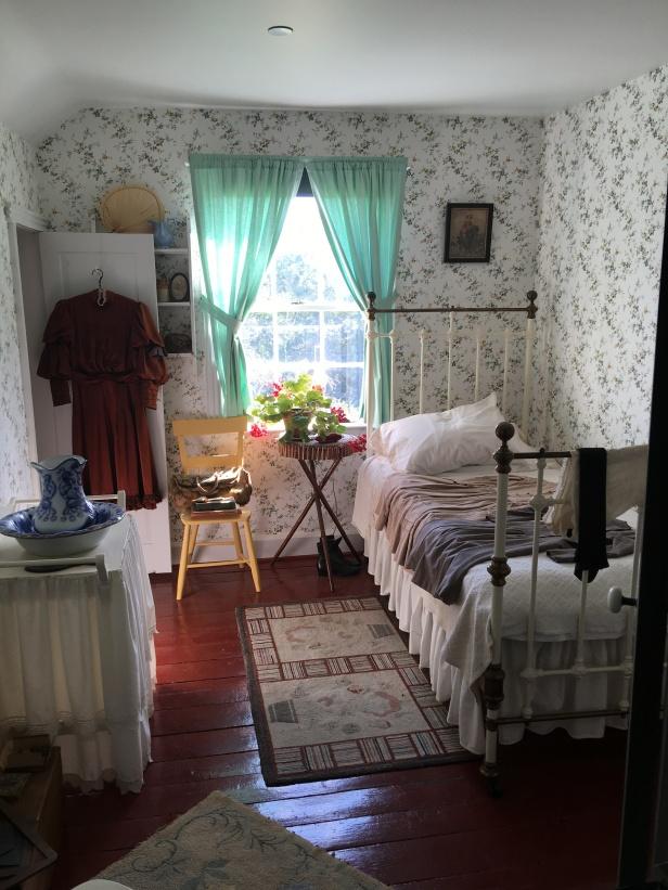 La piece de resistance: Ann's bedroom, complete w carpet bag (lost my proverbial sh$& with this room)