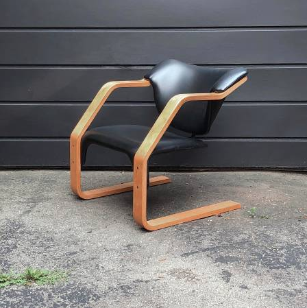 Bentwood accent chair MCM #craigslistfinds #bfdtoronto