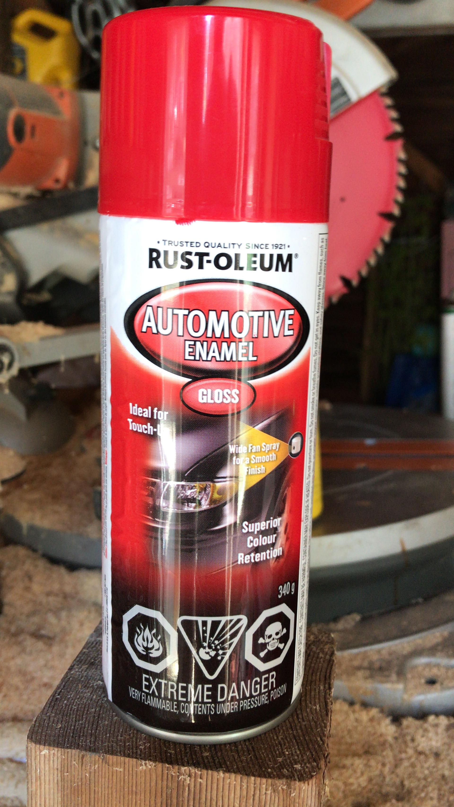 Rust-oleum red gloss automotive enamel spray paint at Lowes.ca